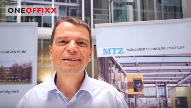 Jürg Geiser (OneOffixx) am Münchner Technologiezentrum
