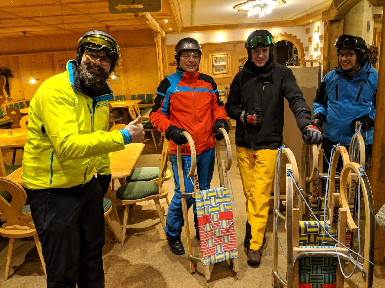 Die gemeinsame Zeit wurde nicht nur auf den Skiern, sondern auch auf dem Schlitten verbracht.